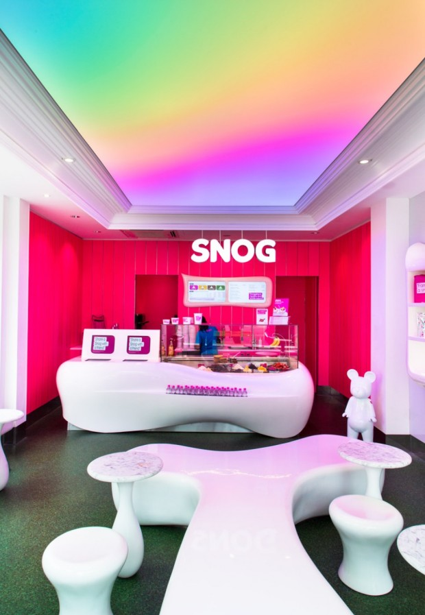 Snog-Pure-Frozen-Yogurt-St-Johns-Wood-High-Street-by-Cinimod-Studio-website-2-940x1360